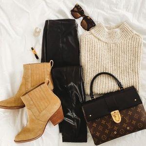 GAP Short Sleeve Turtleneck Sweater